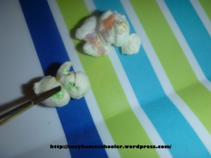 Painting Popcorn with Edible Paint from Suzy Homeschooler (3)