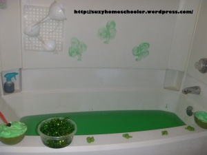Shamrock Theme Bath from Suzy Homeschooler (3)