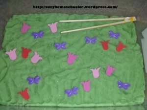 10 Butterfly Themed Sensory Bins from Suzy Homeschooler (3)