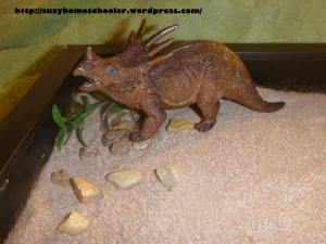 Dinosaur Sensory Writing Tray from Suzy Homeschooler (1)