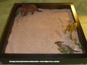 Dinosaur Sensory Writing Tray from Suzy Homeschooler (2)