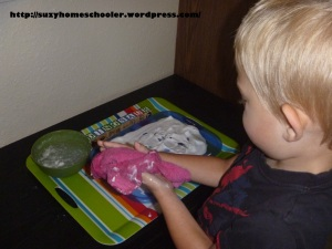 Simple Shaving Cream Writing Tray from Suzy Homeschooler (5)