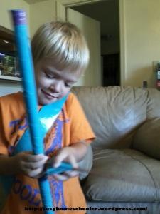 Easy DIY Bow and Arrow set from Suzy Homeschooler (2)