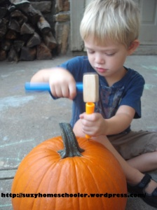15 Ways to Play and Learn with a Pumpkin from Suzy Homeschooler (5)