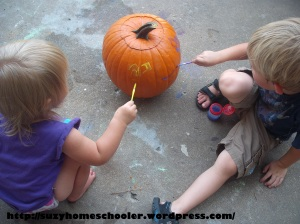 15 Ways to Play and Learn with a Pumpkin from Suzy Homeschooler (6)
