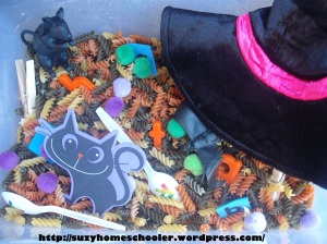 -at word family Halloween Sensory Bin from Suzy Homeschooler (1)