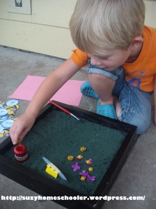 Bee Themed Salt Tray in Action from Suzy Homeschooler (3)