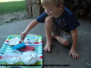 Dog Theme Week from Suzy Homeschooler, Dog Wash Small World Sensory Play (2)