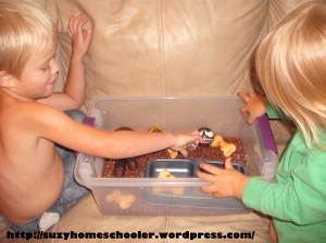 Dog Theme Week from Suzy Homeschooler, Sensory Bin (2)
