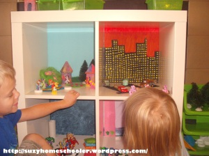 Doll House from Ikea Expedit, Suzy Homeschooler (13)