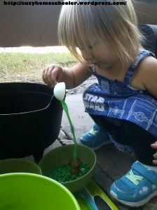 Edible Witches Brew Sensory Activity from Suzy Homeschooler (13)