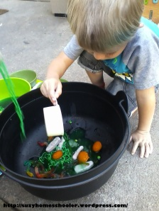 Edible Witches Brew Sensory Activity from Suzy Homeschooler (5)