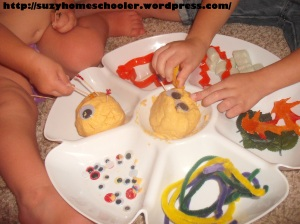 Halloween Themed Invitation to Play with Pumpkin Playdough, Suzy Homeschooler (6)