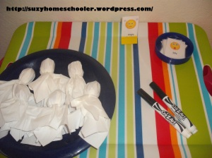 Lollipop Ghosts from Suzy Homeschooler
