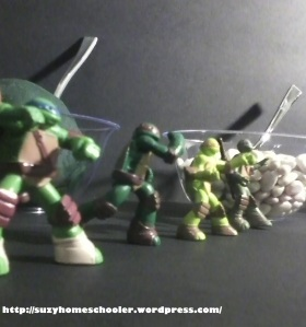 A TMNT Halloween and Invitation to Play from Suzy Homeschooler (4)