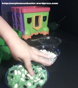 A TMNT Halloween and Invitation to Play from Suzy Homeschooler (8)